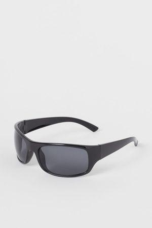 H & M Men Sunglasses - Sporty Sunglasses