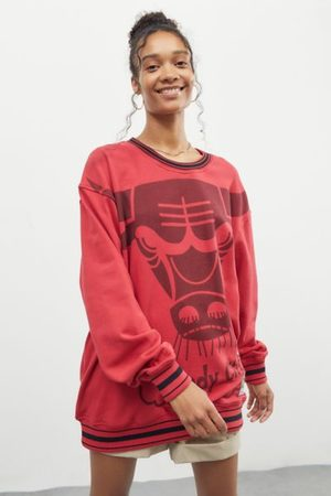 Mitchell & Ness Women Sweatshirts - Chicago Bulls Big Face 3.0 Crew Neck Sweatshirt