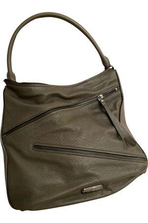 Marc Jacobs Women Purses - Too Hot to Handle leather handbag