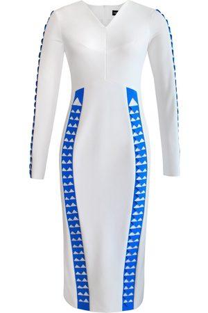 Women's Artisanal White Full Sleeve Chevron Detail Pencil Dress XXS L'MOMO
