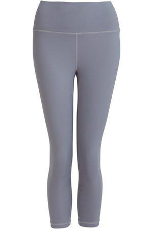 Women's Recycled Peach Move More Grey Capri Leggings Medium Perky Peach