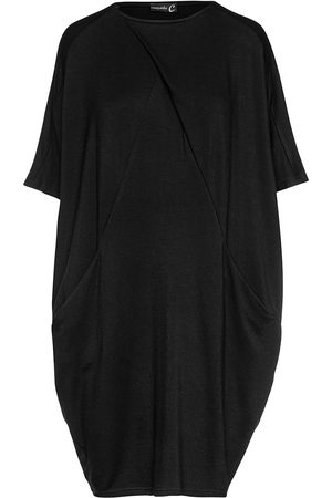 Women Casual Dresses - Women's Artisanal Black Fabric Batwing Sack Jersey Dress With Pockets Small Conquista