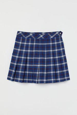 H & M Short Pleated Skirt