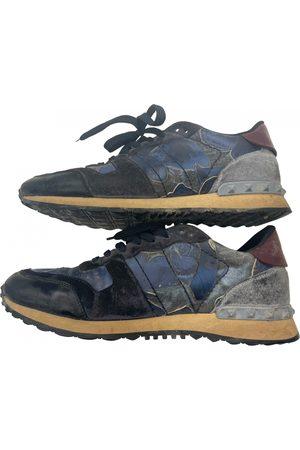 Valentino Garavani Men Sneakers - Rockstud low trainers