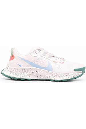 Nike Swoosh-detail lace-up sneakers