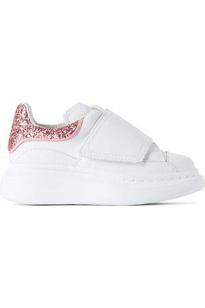 Alexander McQueen Sneakers - Kids White & Pink Glitter Tab Velcro Oversized Sneakers