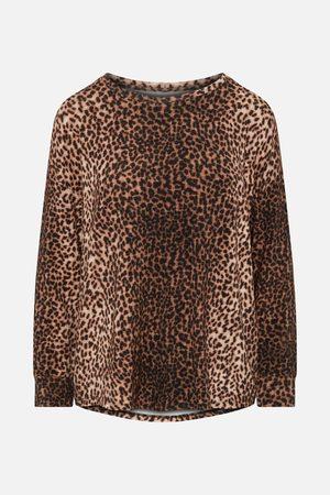 Majestic Filatures Camel/Black Leopard Print Long-Sleeved Round Neck Top
