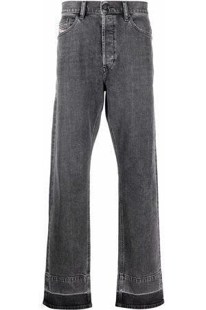 Diesel Men Straight - D-Macs straight leg jeans