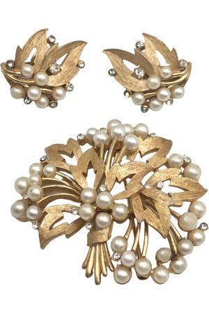 TRIFARI Women Jewellery Sets - Jewellery set
