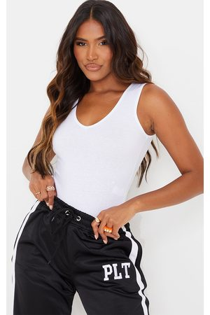 PRETTYLITTLETHING Basic Jersey Plunge Neck Thong Bodysuit
