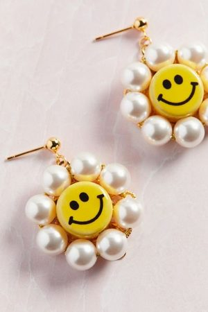 Venessa Arizaga Happy Flower Pearl Earring