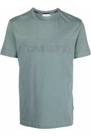 Calvin Klein Men Short Sleeve - Short-sleeved logo-embossed T-shirt