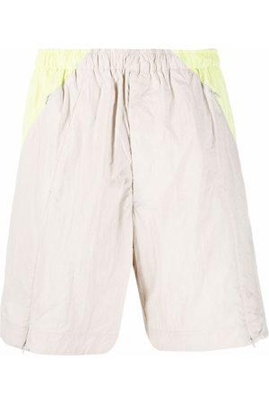 Y-3 Men Bermudas - Colourblock knee-length shorts - Neutrals