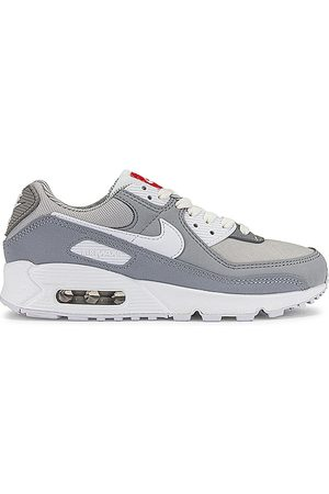 Nike Air Max 90 Sneaker in Grey.