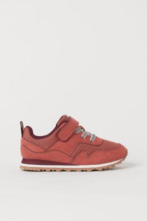 H & M Sneakers