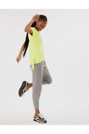 GOODMOVE V-Neck Tie Side Short Sleeve Yoga Top