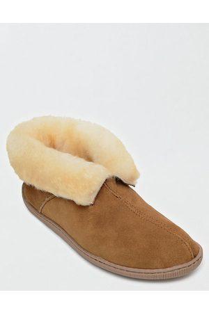 AE Minnetonka Sheepskin Ankle Boot Men's 8