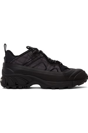 Burberry Men Sneakers - Black Check Technical Arthur Sneakers