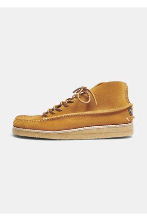 Yogi X Hikerdelic Men Lace-up Boots - Derek Suede Chukka Boot - Tumeric