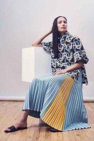 Claudia Li 3D Knit Pleated Skirt - Light