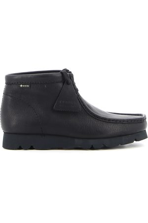 Clarks Men Boots - Wallabee lace-up bootie 26146260 in .