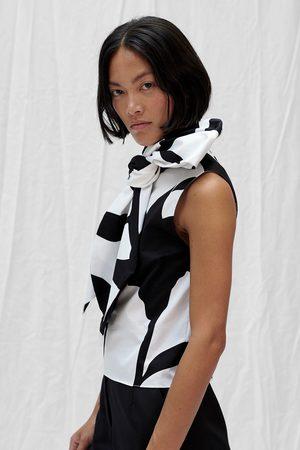 Claudia Li Big Bow Tank - Black/White Lily Print