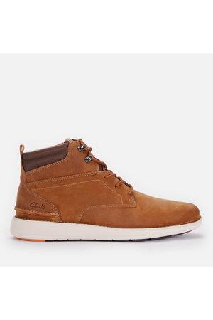 Clarks Men's Larvik Mid Leather Chukka Boots