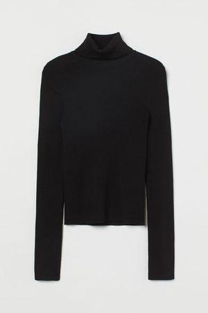 H & M Rib-knit Turtleneck Sweater