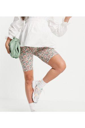 Mama.licious Mamalicious Maternity legging shorts in ditsy floral-Multi