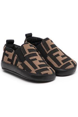 Fendi Kids Flat Shoes - Logo slip-on trainers