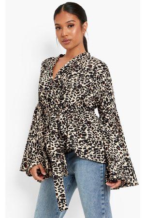 Boohoo Womens Petite Animal Wrap Front Flare Sleeve Blouse - - 2
