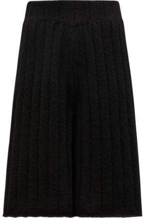 2 MONCLER 1952 Men Pants - Moncler Knit Trousers Trousers&Shorts