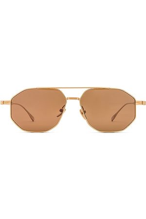 DEVON WINDSOR Cairo Sunglasses in .