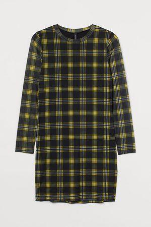 H & M + Long-sleeved Dress