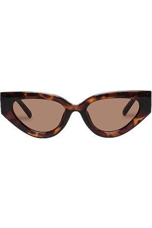 Le Specs Aphrodite Alt Fit in Brown.