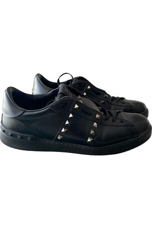 VALENTINO GARAVANI Rockstud leather low trainers