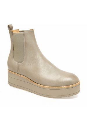 Django & Juliette Women Heeled Boots - Women's Nisa Platform Bootie