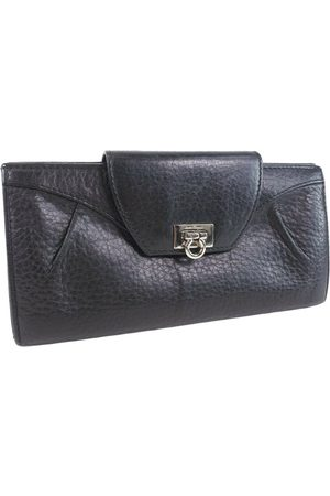 Salvatore Ferragamo Leather purse