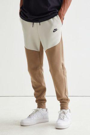 Nike Men Sweatpants - Sportswear Paneled Tech Jogger