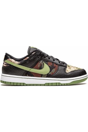 "Nike Men Sneakers - Dunk Low SE ""Crazy Camo"" sneakers"