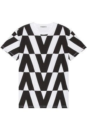 VALENTINO Men T-shirts - V Print Tee in