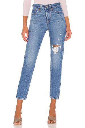 Levi's Women Skinny - Wedgie Icon Jean in Blue.