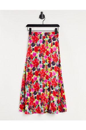 Liquorish Midi skirt with slit in floral print-Multi