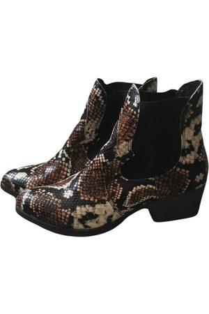 Tamaris Vegan leather western boots