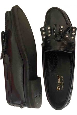 Bass Weejuns Patent leather flats