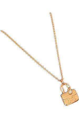 Hermès Amulette pink pendant