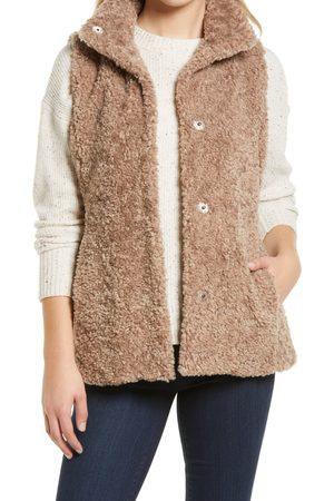 Gallery Women's Faux Fur Vest