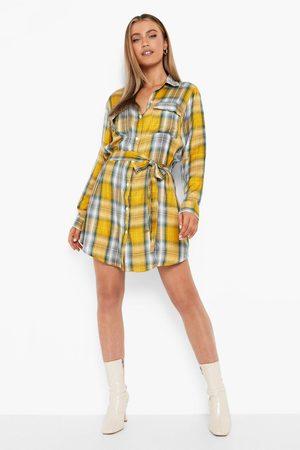 Boohoo Women Casual Dresses - Womens Flannel Belted Midi Shirt Dress - - 4