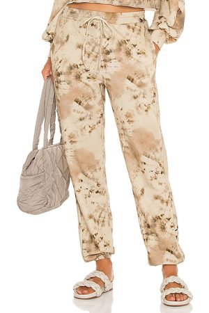 Beach Riot Women Sports Pants - Banded Sweatpant in Taupe.