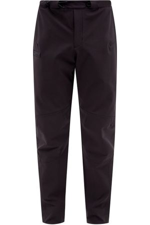 Greater than A Cold-Wll* - Technicl-shell Slim-leg Trousers - Mens - Blck